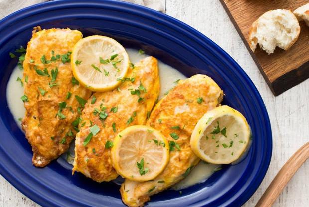 Куриная грудка под лимонным соусом по-французски (Chicken francese)