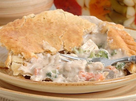 Зимний пирог с курицей и овощами