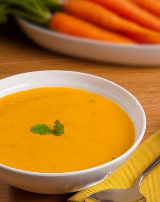 Морковный суп-пюре с кориандром и вермутом