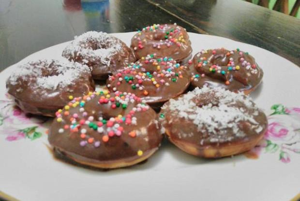 Пончики творожные в сахарной пудре