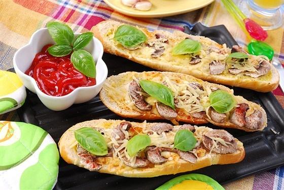 Тосты с грибами  и сыром