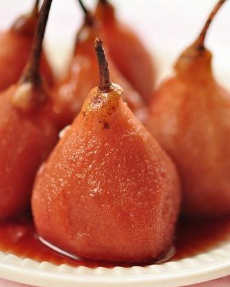 Груши с клюквой в медовом сиропе со специями