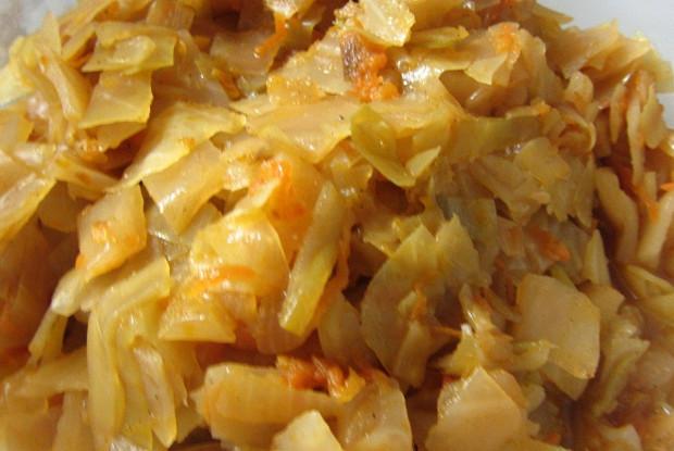 Тушеная капуста с томатным пюре