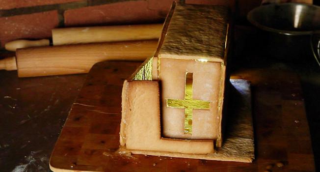 Как сделать пряничную церковь