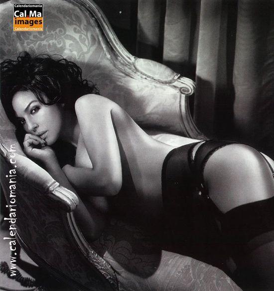 https://img05.rl0.ru/ef08d69a9819eb7c853ebc41b3104879/c550x585/corset.com.ua/content/2008/11/monica-bellucci-gq-shot-4.jpg