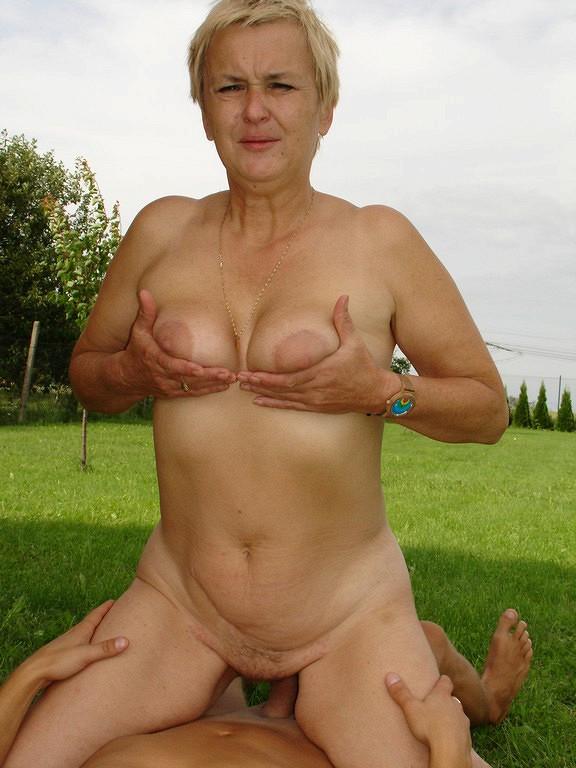 Amateur female oozing ejaculation