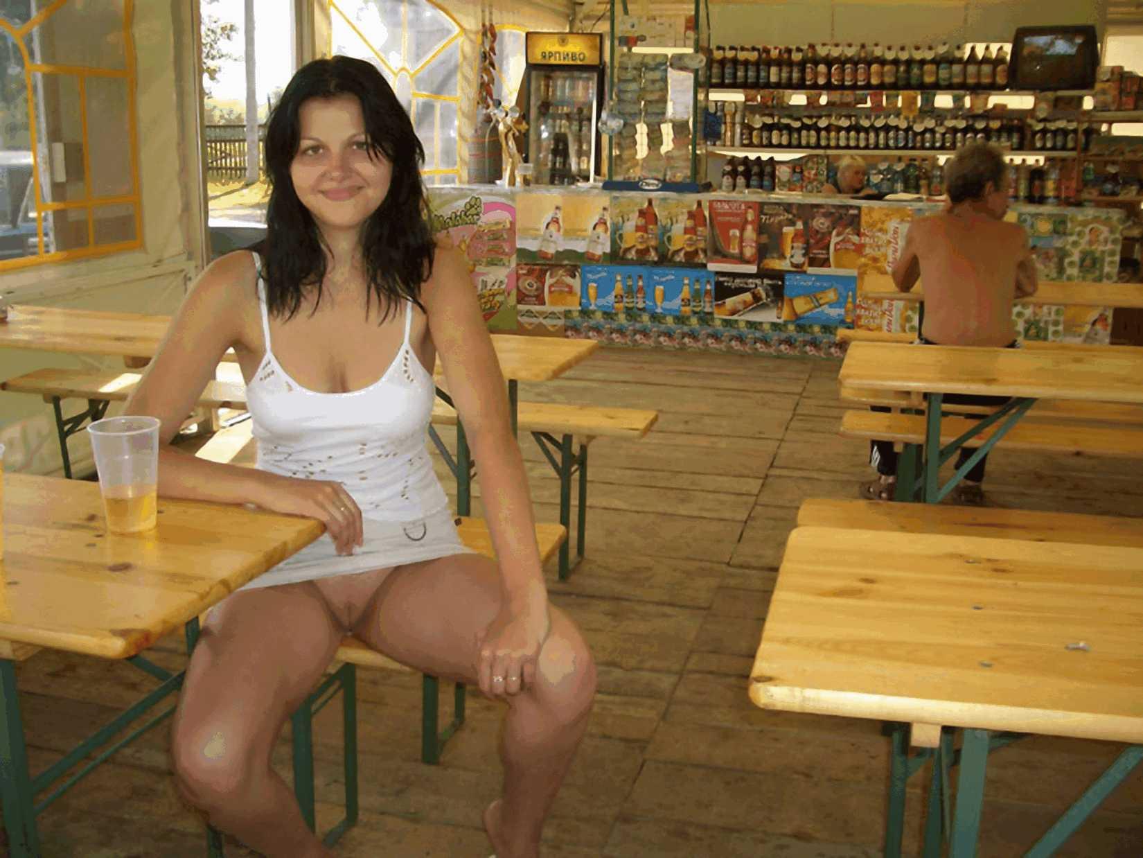 У русских девушек под юбкой частное фото, девушки без трусиков, под юбкой » Подборки 21 фотография
