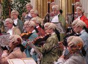 Венский Моцарт-оркестр (Австрия). Дирижер Андраш Дэак (Венгрия). Солисты Сэра Гош (сопрано), Себастьян Холечек (баритон)