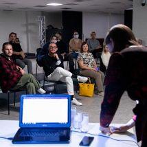 «Драматург меняет профессию»: «Я пишу для букваря…»